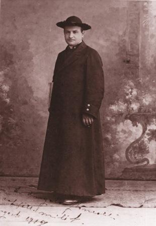 giovani-23-giovane-sacerdote